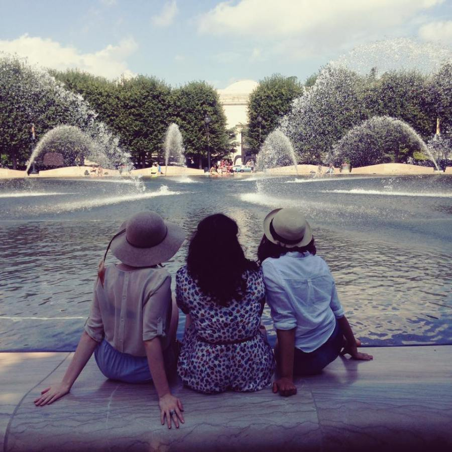 fountain-babes
