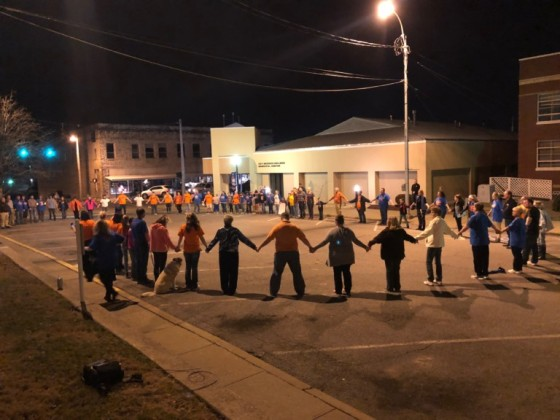 marshall-county-vigil-for-florida-shooting-8-768x576
